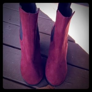 Diveded boots